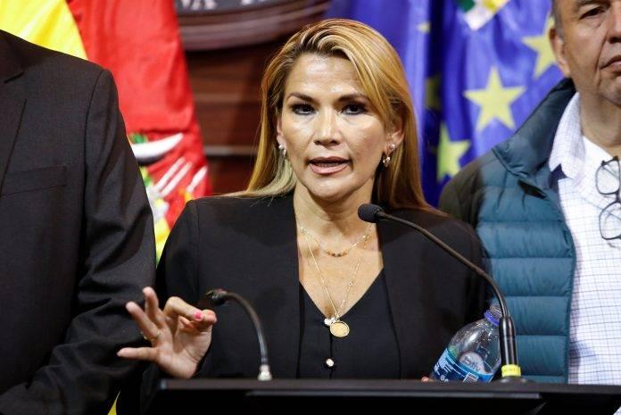 Jeanine Áñez propone postergar elecciones de Bolivia por Covid