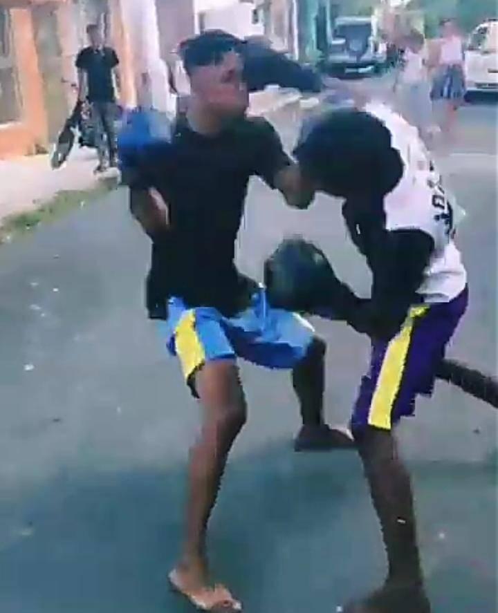 Joven fallece en pelea de box callejero