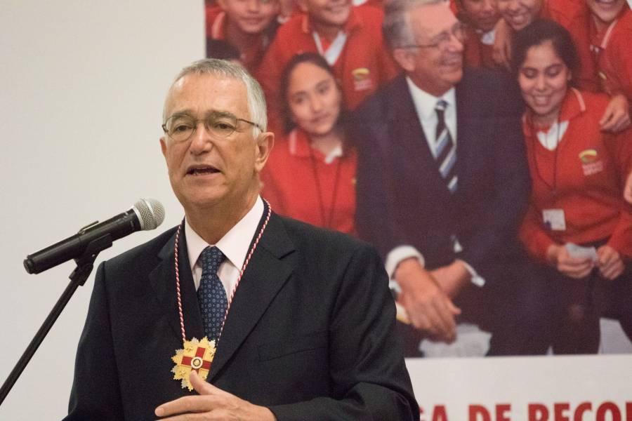 Salinas Pliego llama a violar confinamiento