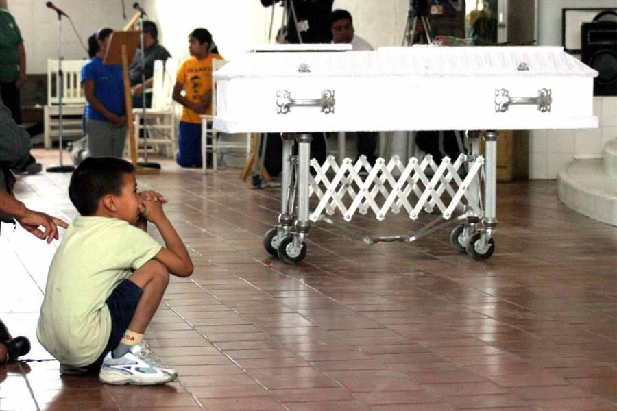 Matan a Ariana, de nueve años durante rosario de su mamá en Tlalnepantla