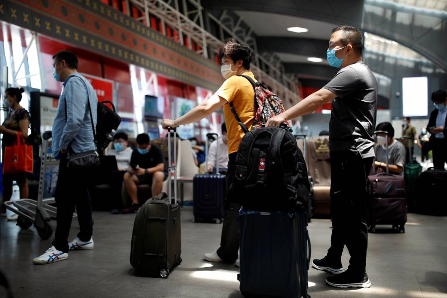 Pekín y provincias imponen restricciones de viajes por brote de Covid-19