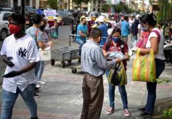 Ecuador amplía estado de excepción por pandemia