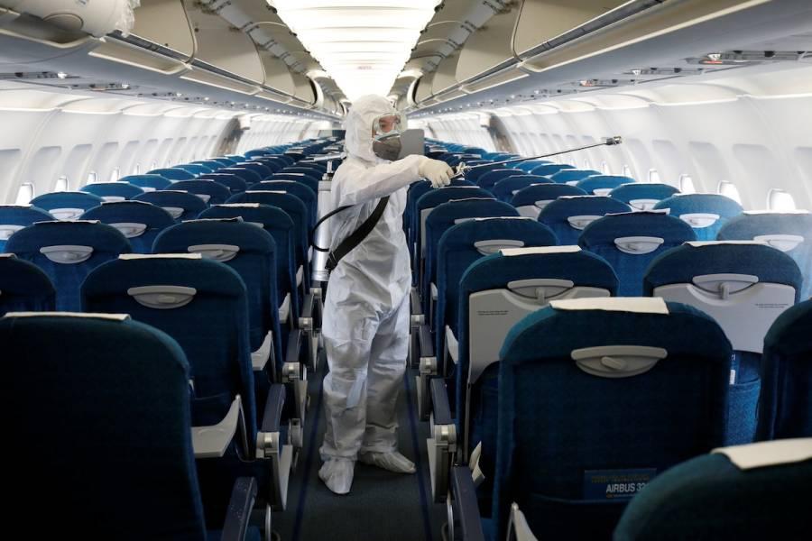 Cancela Pekín decenas de vuelos para contener rebrote de coronavirus