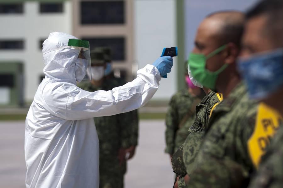 De dormitorio militar a hospital: México batalla para evitar colapso en sistema de salud