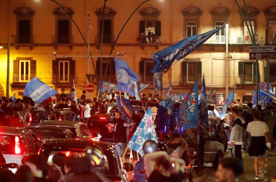 Festejos del Napoli causan indignación en la OMS