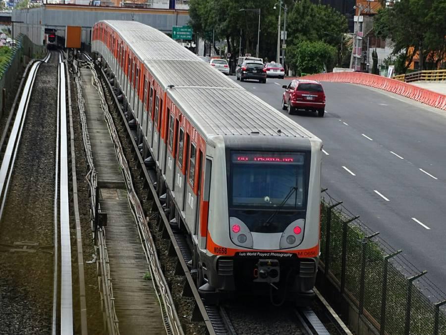 Hombre pierde la vida tras arrojarse a las vías del Metro Xola