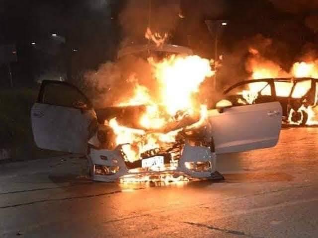 Enfrentamiento armado provoca incendios de casas y autos en Caborca