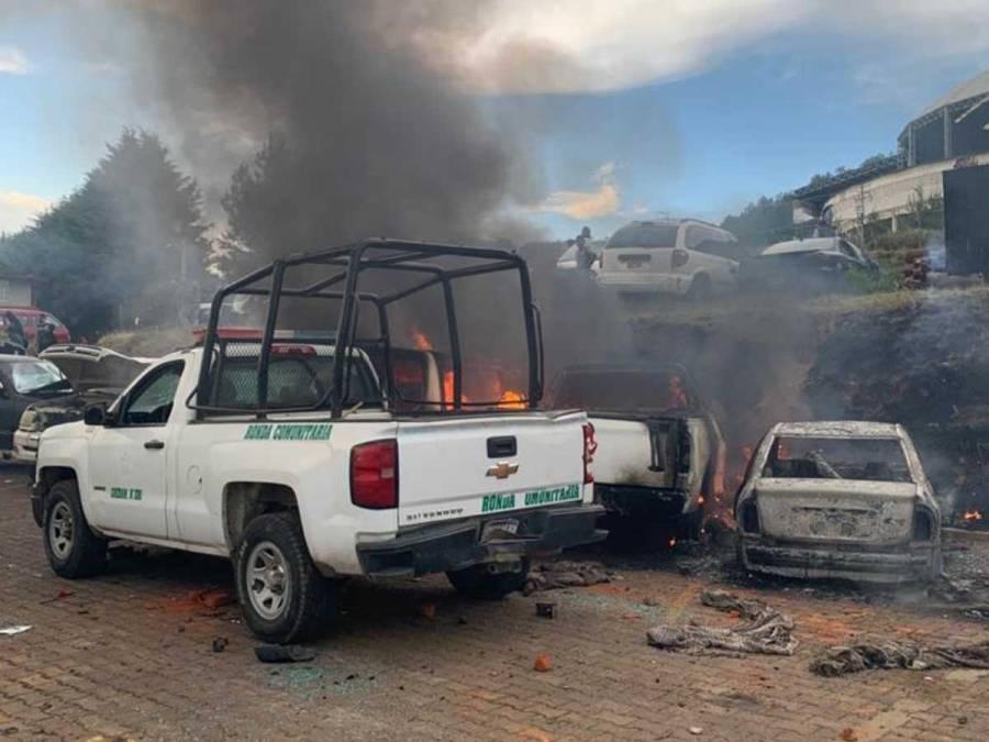 Intentan linchar a policías comunitarios en Cherán tras muerte de joven