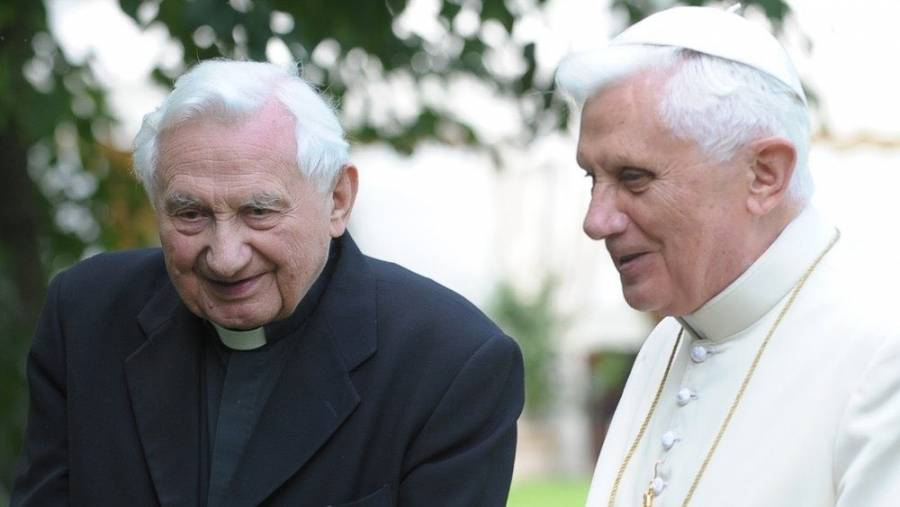 El Papa regresará al Vaticano después de visitar a su hermano