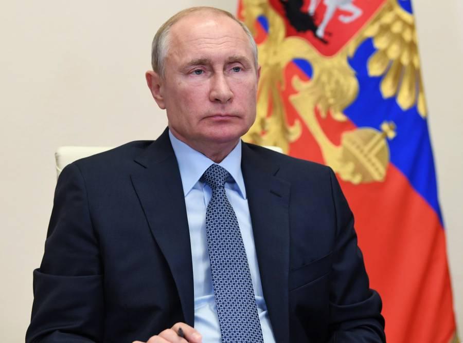 """""""Tenemos que trabajar, no  buscar sucesores"""": Putin"""