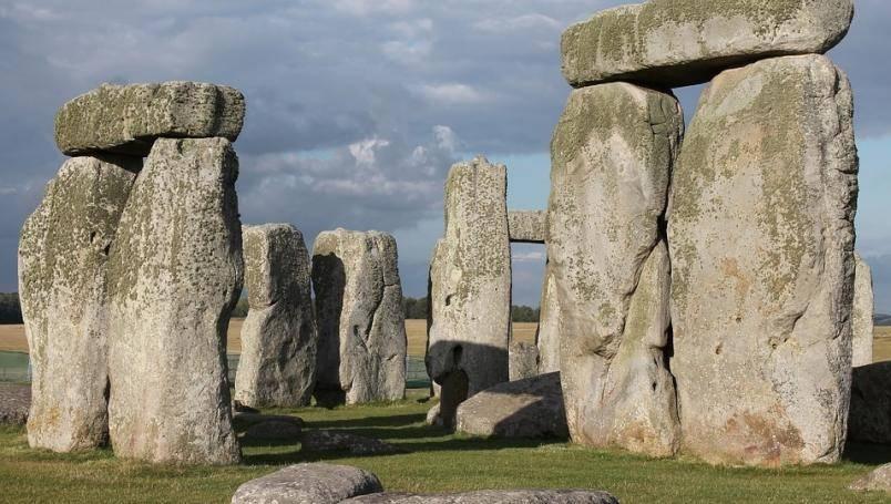 Descubren pozos neolíticos cerca de Stonehenge
