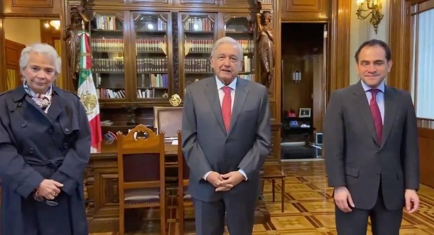AMLO anuncia enroque de funcionarios entre Segob y Hacienda