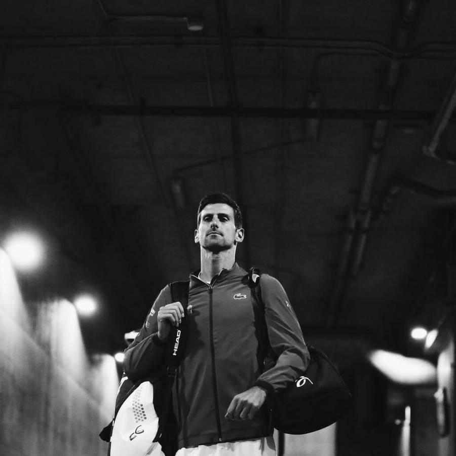 Djokovic ofrece disculpas por casos de Covid-19 en torneo