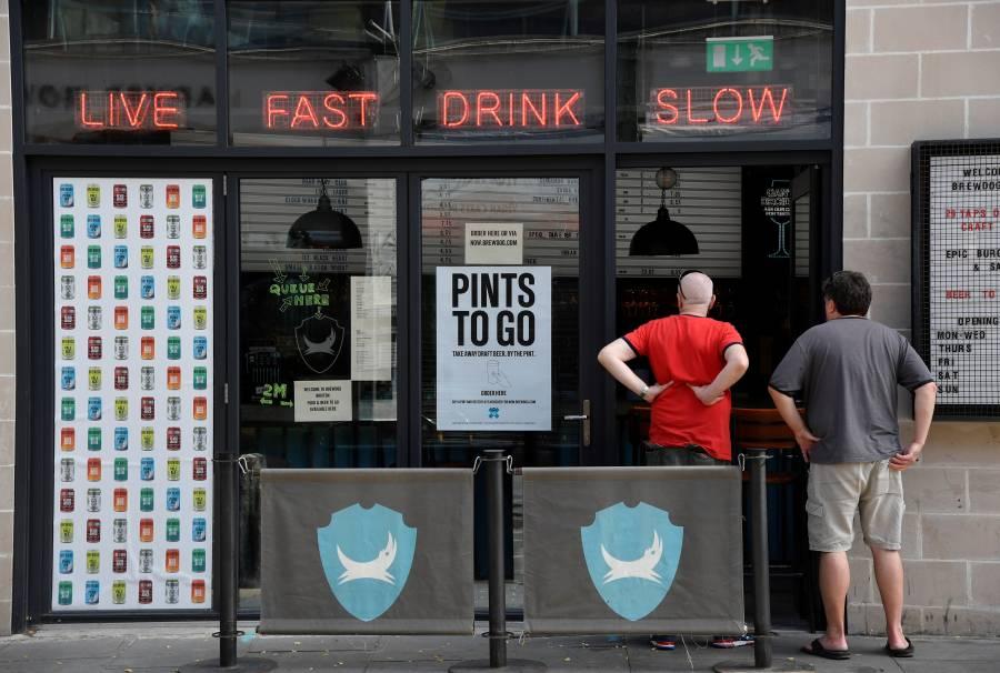 Pubs y hoteles del Reino Unido reabrirán en julio