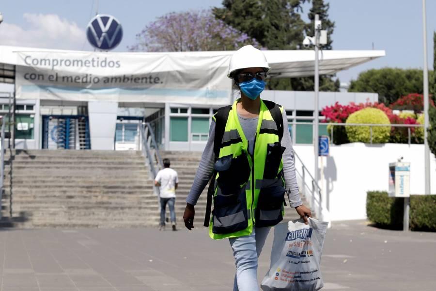 Volkswagen reporta 100 contagios entre empleados