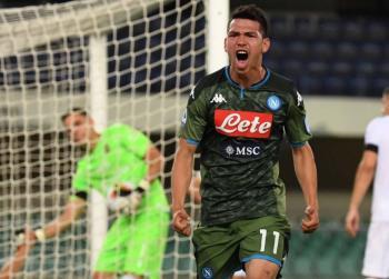 """""""Chucky"""" Lozano anota en la victoria del Napoli sobre el Hellas Verona"""