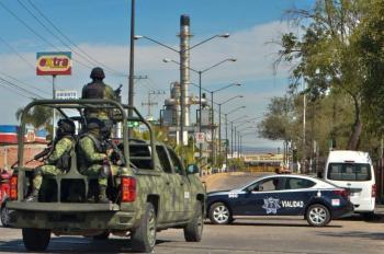 """Tras amenazas de """"El Marro"""", refuerzan seguridad en refinería de Salamanca"""