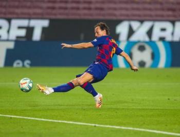 Un Barcelona con dudas recupera el liderato en LaLiga