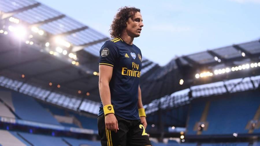David Luiz renueva con el Arsenal por un año más