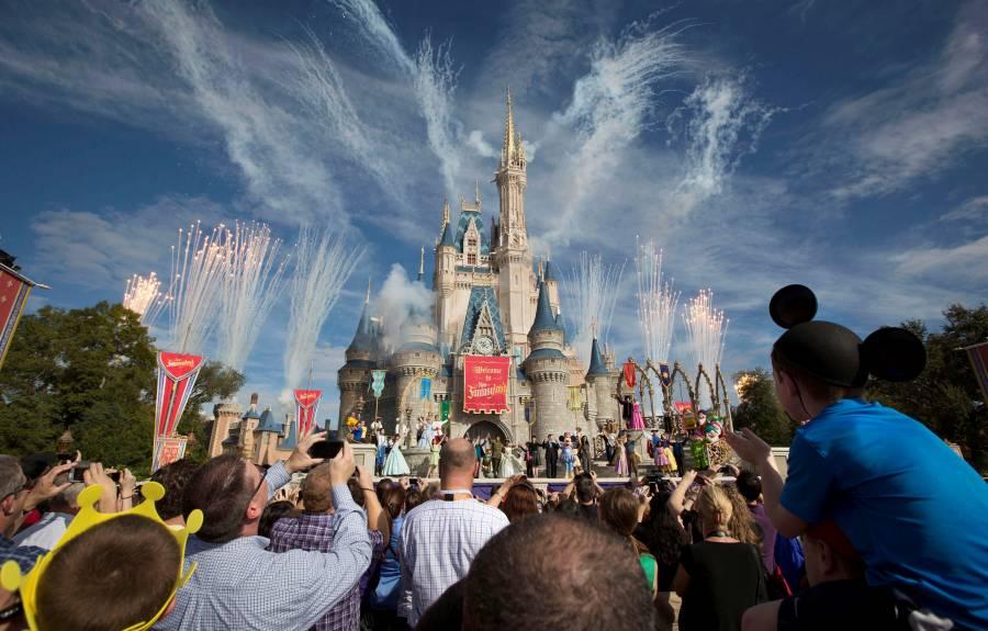 Piden postergar reapertura de Disney World en Florida