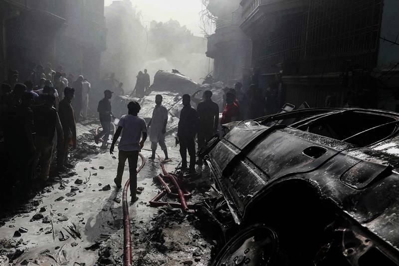 Revela investigación que negligencia de pilotos motivó accidente de avión pakistaní
