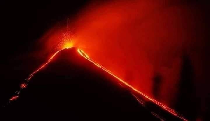 Detectan actividad en 3 volcanes en Guatemala
