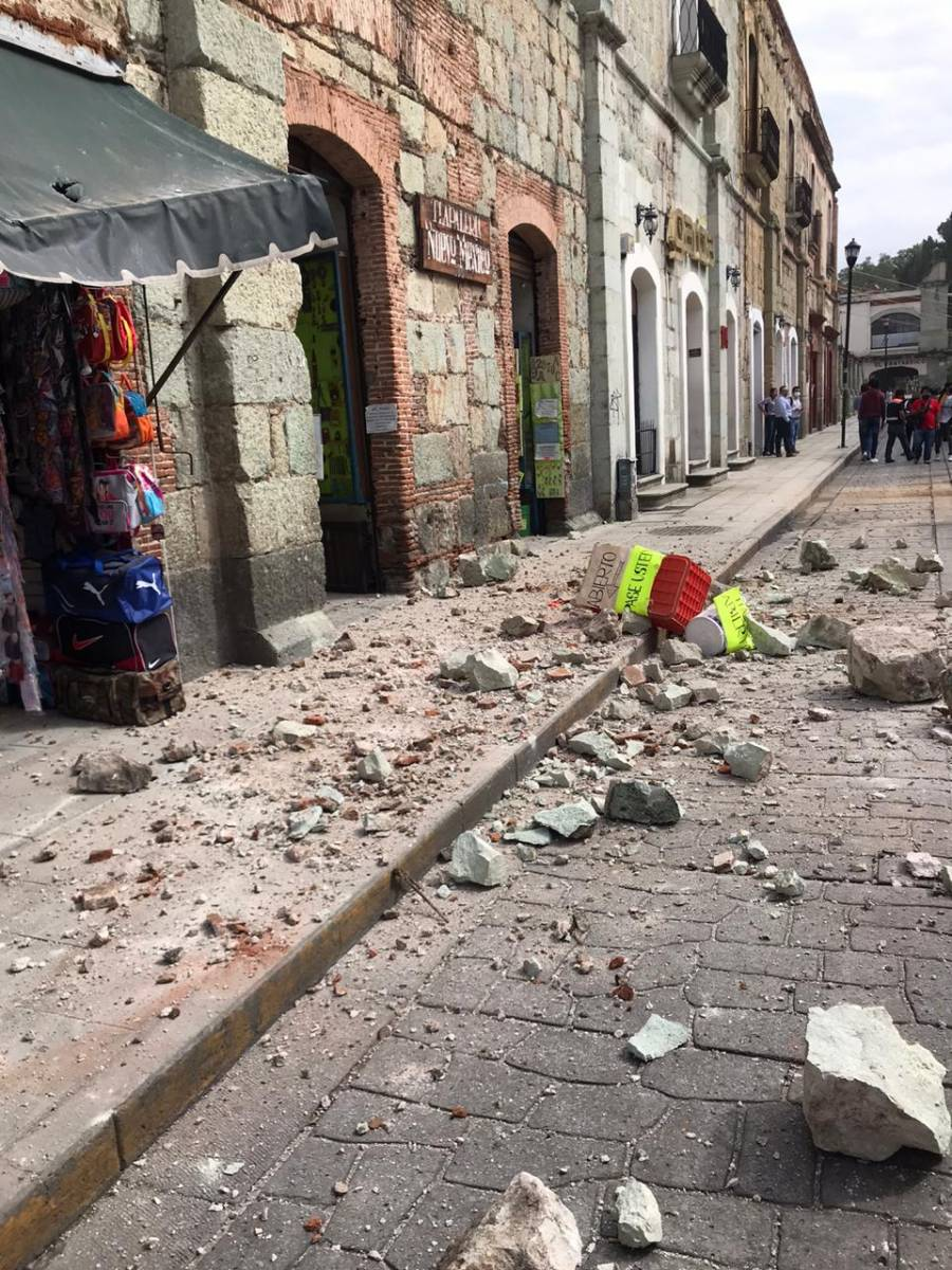 AMLO llama a evitar corrupción ante sismo