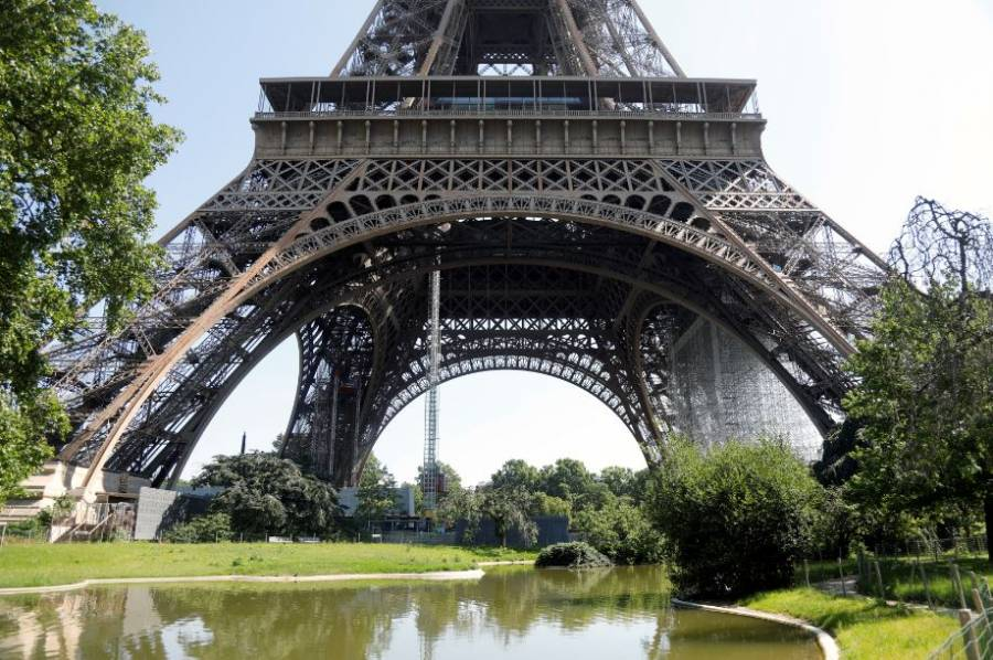 La Torre Eiffel vuelve a abrir pero, sin ascensores