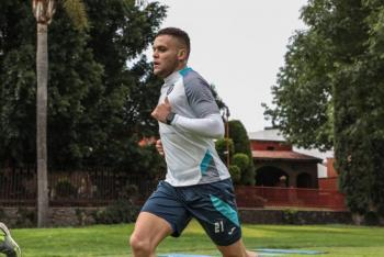 Tras recuperarse de Covid-19, Jonathan Rodríguez regresa a entrenamientos con Cruz Azul