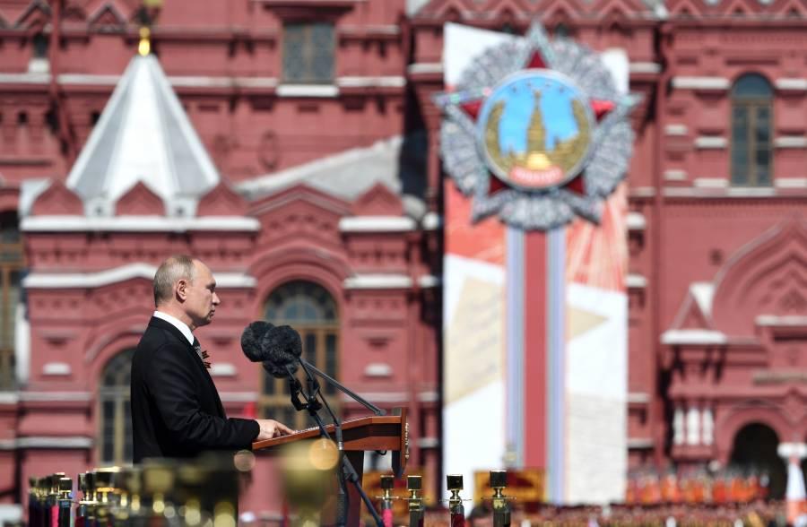 Rusos definen en casillas si  Putin se queda hasta 2036