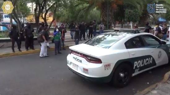 Aseguran bodegas tras decomisar automóviles vinculados al atentado contra García Harfuch