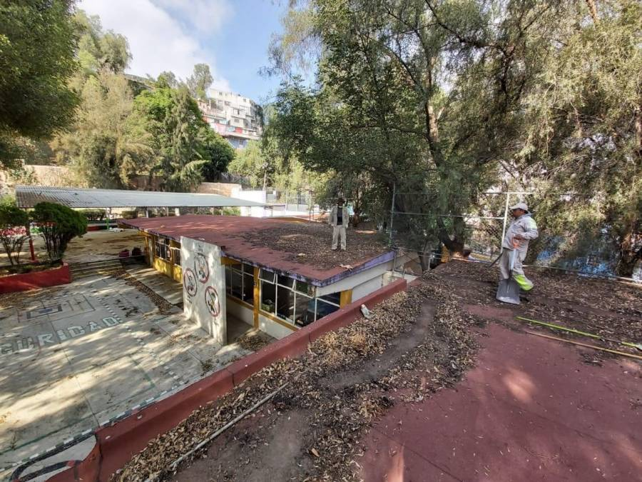REPARAN ESCUELAS PARA REGRESO A CLASES EN XOCHIMILCO