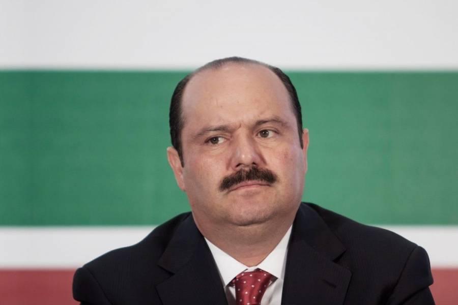Niega Tribunal amparo a César Duarte ante captura por presunto desvío