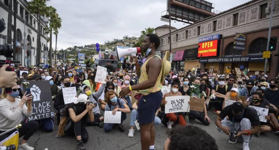 Una persona muere y otra es herida en protesta antirracial en Louisville