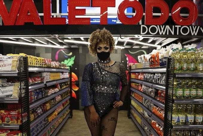 Por Covid-19 antro LGBT ahora es un supermercado