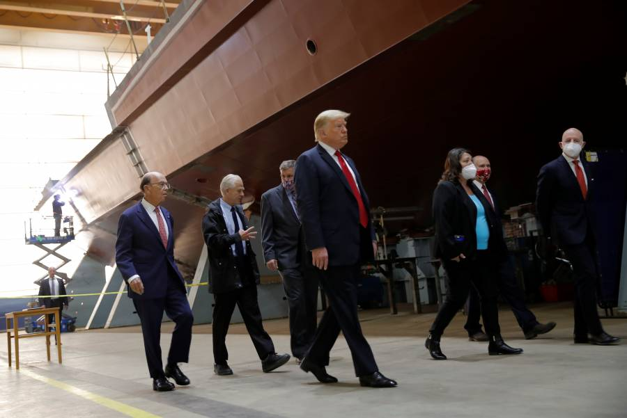 Trump retuitea video que  elogia supremacismo blanco