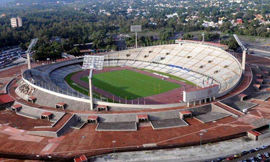 Sanitizan Estadio Olímpico de CU
