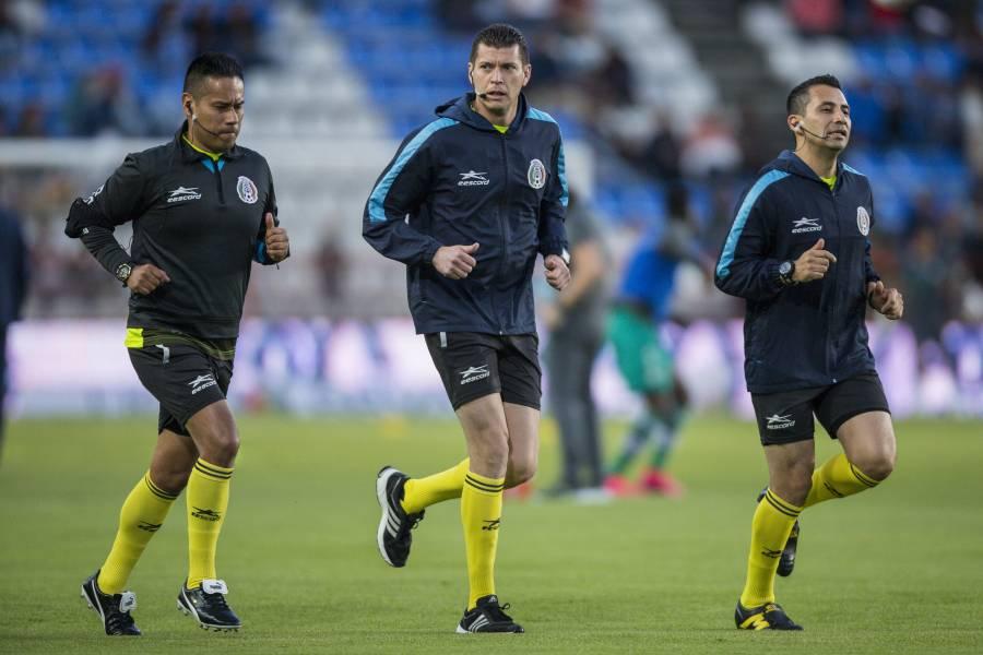Tres árbitros dan positivo por Covid-19 en el futbol mexicano