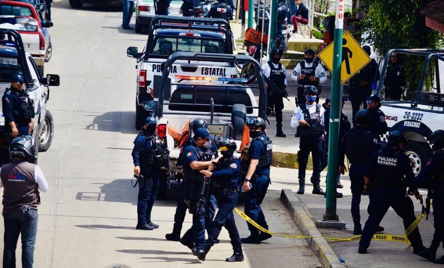 Asaltan joyería a unos metros del Palacio Municipal de Xalapa, hay 2 detenidos