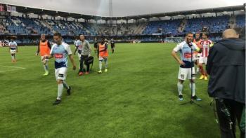 Suspenden 14 minutos final de copa danesa por incumplir distanciamiento social