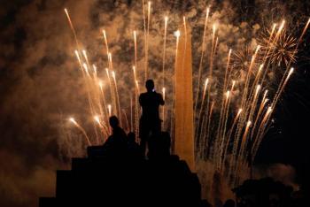 Celebran Día de la Independencia de EU a pesar de pandemia