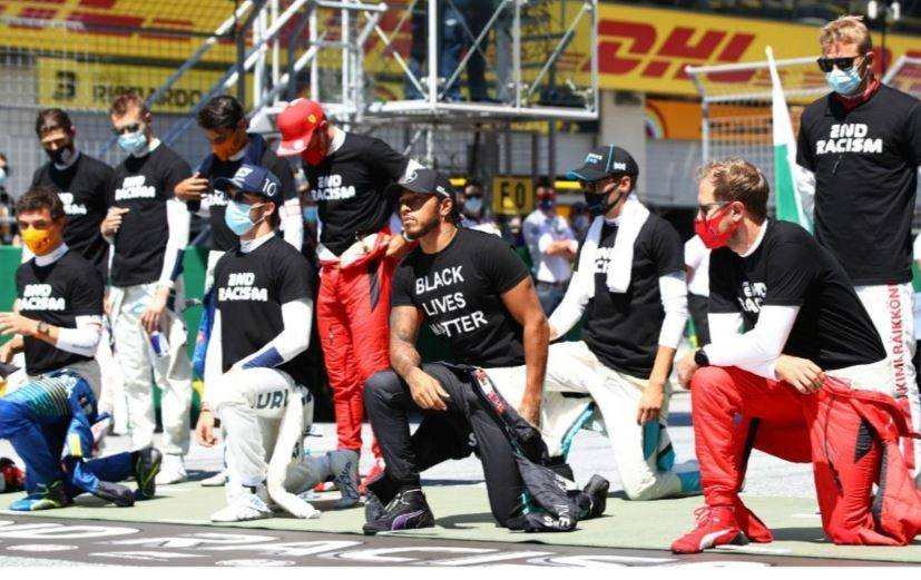 Hamilton y otros pilotos se arrodillan en contra del racismo en Austria