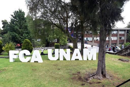 Histórica protesta de 91 graduados de la FCA de la UNAM