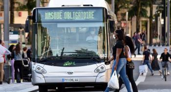 Matan a chofer de autobús en Francia por no permitir a pasajeros subir sin cubrebocas