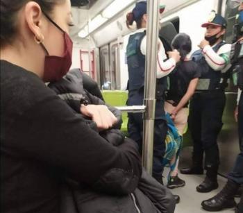 Investigan a policías por detener una menor en el Metro
