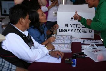 """""""Estaré al pendiente de elecciones limpias"""": AMLO"""