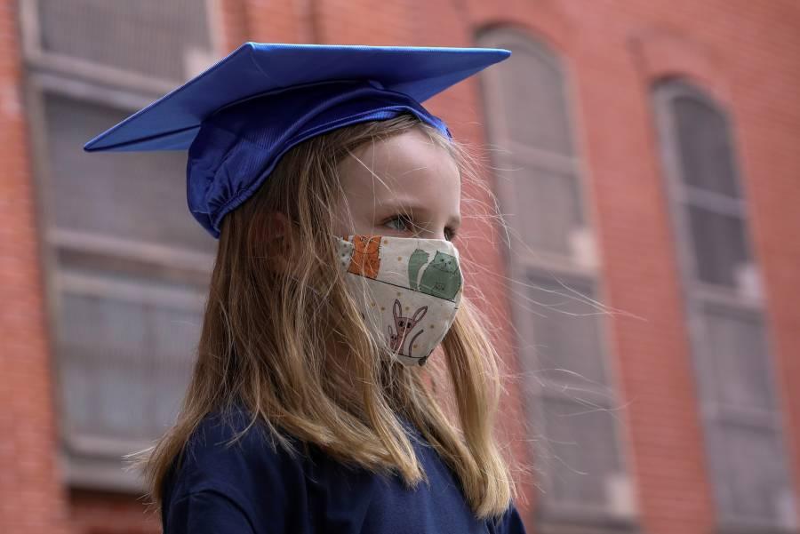 NY anuncia plan de reapertura parcial de escuelas en septiembre
