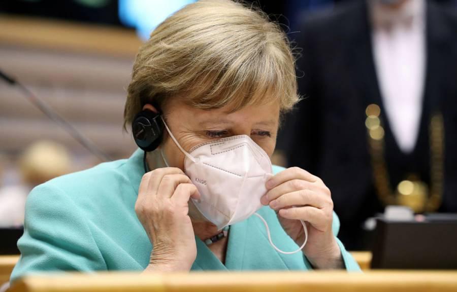 La UE debe prepararse para un Brexit sin acuerdo: Angela Merkel