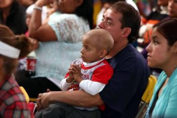 Padres de niños con cáncer piden alternativas ante desabasto