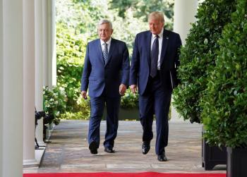 Entre sonrisas y halagos, la visita de AMLO a Trump